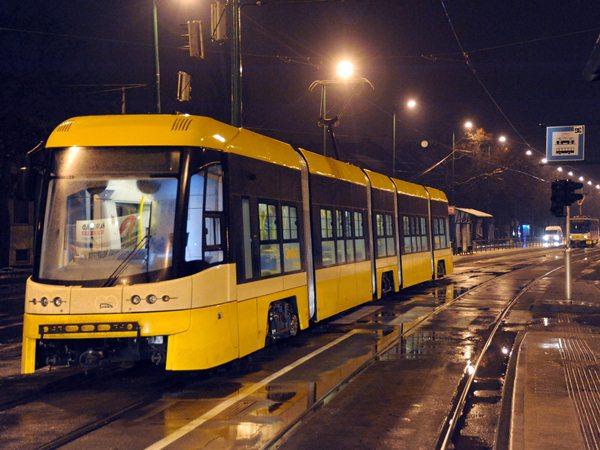 Közlekedés - Pesa Swing villamos érkezett Szegedre