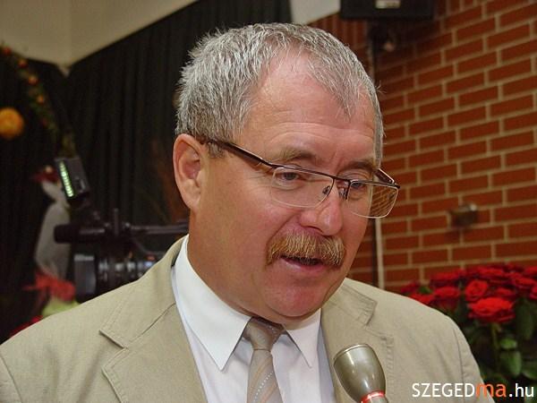szoreg_rozsa_fazekas_miniszter_sajtaj_itb (5)