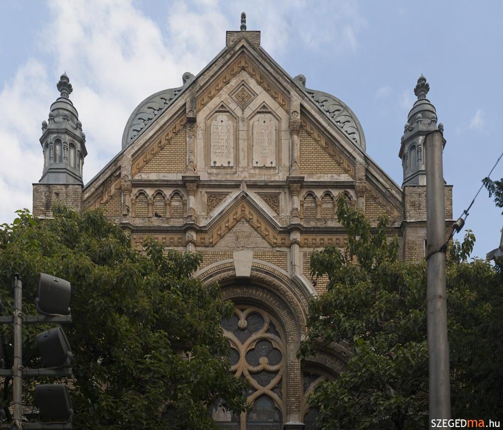 zsinagoga_homlokzat_it