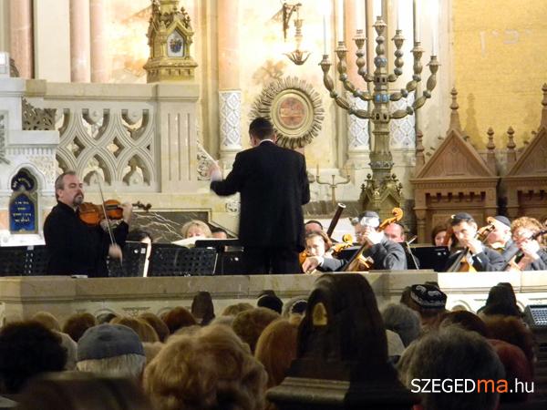 SZS20130518_szimfonikus_koncert_az_uj_zsinagogaban_007