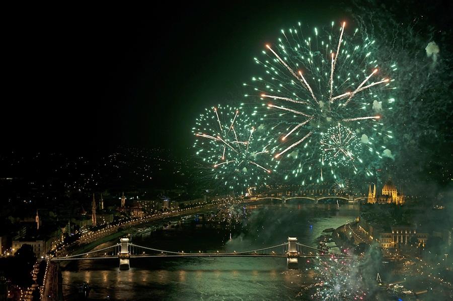 Augusztus 20. - Ünnepi tûzijáték