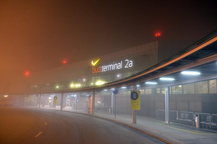 Tizennégy repülõgép nem tudott leszállni Budapesten a köd