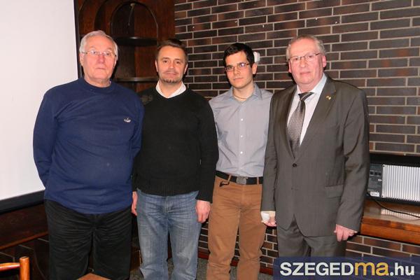 SZS20131204_kormanyos_attila_kozeleti_kavehaz_007