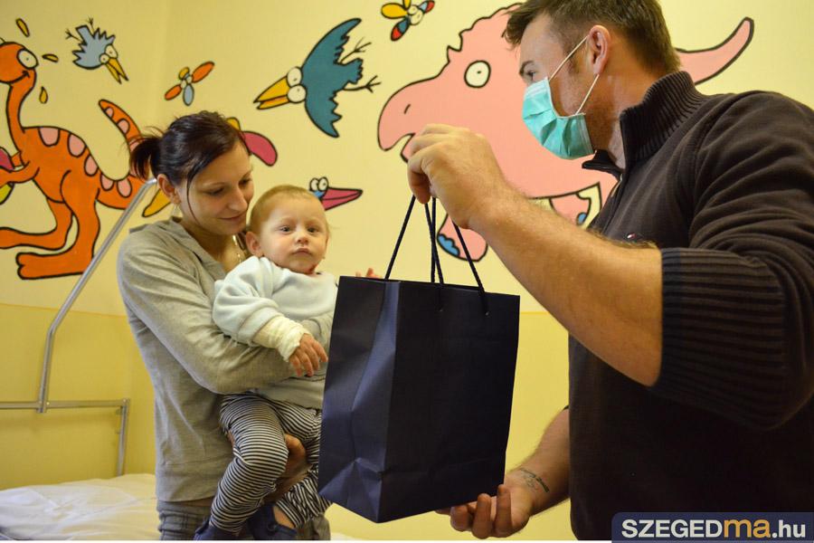 SZS20131218_vajda_attila_a_gyermekklinikan_005
