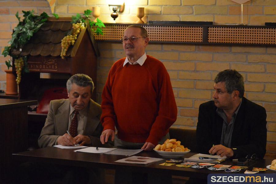 SZS20140128_veteran_labdarugok_kozeleti_kavehaz_008