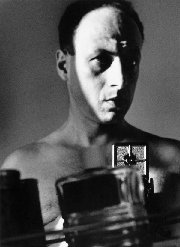 002 Lucien Hervé,Autoportrait.1938