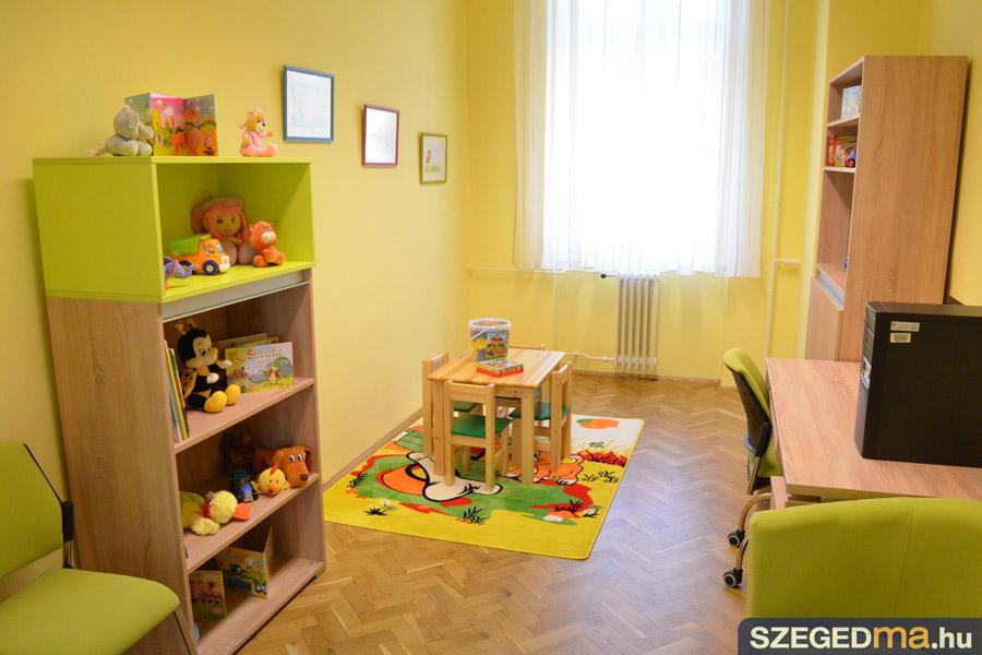 SZS20140407_gyerekszoba_a_torvenyszeken_014