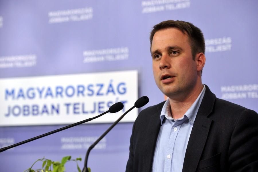 EP-választás - Fidesz - Dömötör Csaba sajtótájékoztatój