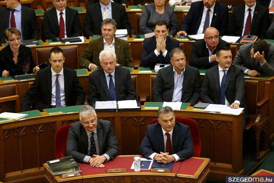 parlament35_gs
