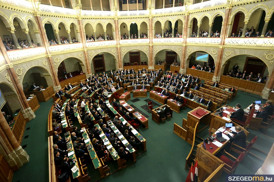 parlament38_gs