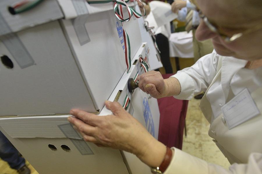 OGY2014 - Elkezdõdött a szavazás - Budapest
