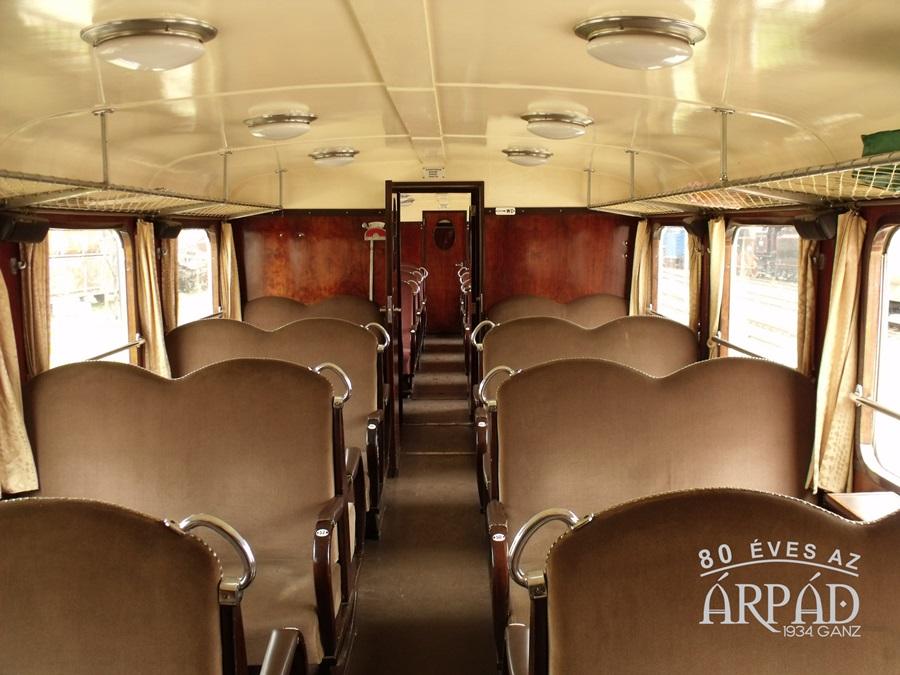 Árpád sínbusz_belső