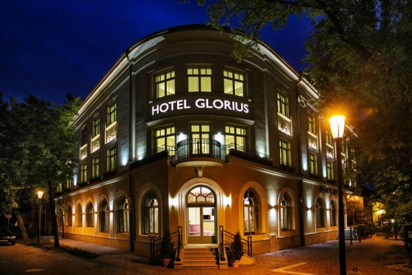 hotel_glorius_mako01