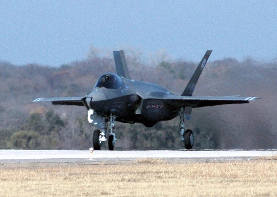 F-35_Lightning-1