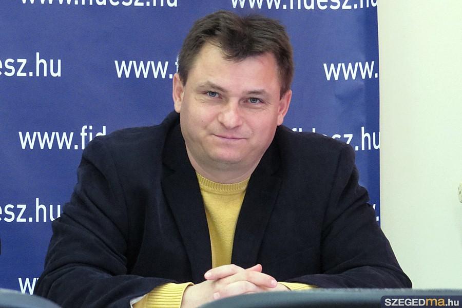 fidesz_sasjttaj04_gs