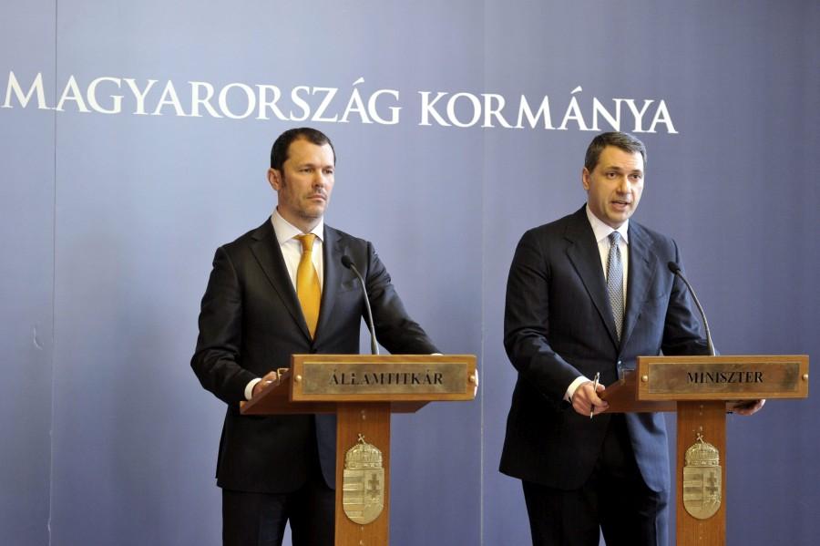 Giró-Szász András; Lázár János