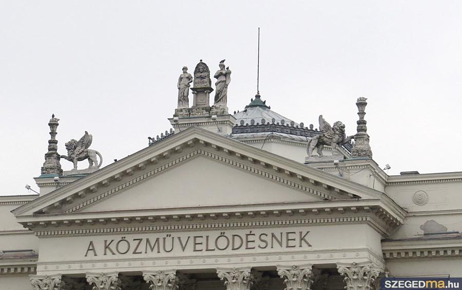 Állami Számvevőszék: Állami Számvevőszék: Szabálytalan Volt A Móra Ferenc