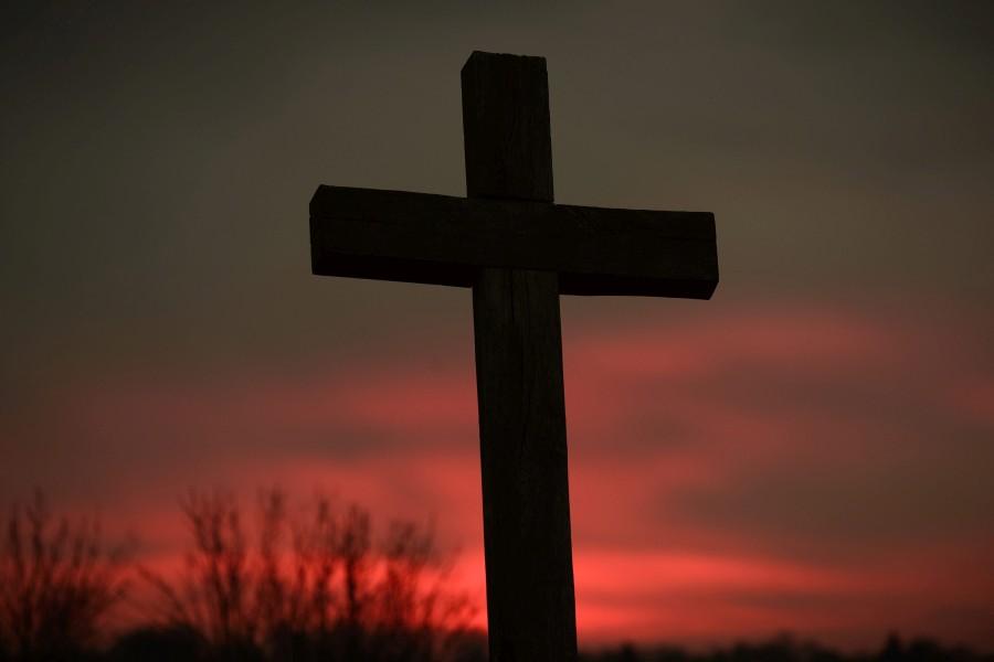 Húsvét - Pirkadat és keresztek Muhi közelében