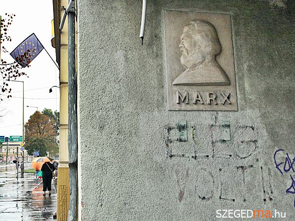 marx_dombormu_mars_ter