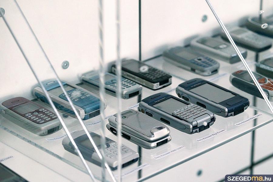 telefonkiallitas02_gs
