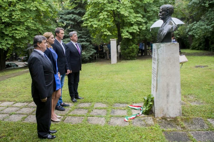 Horváth Gábor; Kovács Ágnes; Magyar Zoltán; Mocsai Lajos