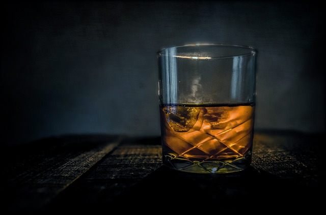 whiskey_alkohol_pohar