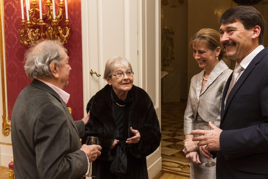 Áder János; Herczegh Anita; Törõcsik Mari; Makk Károly