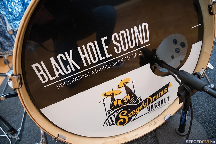 black_hole004kf