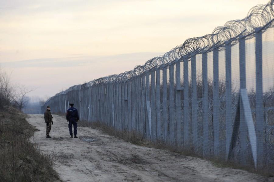 Illegális bevándorlás - Növelték a rendõri létszámot a m