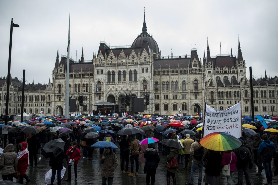 Pedagógustüntetés Budapesten