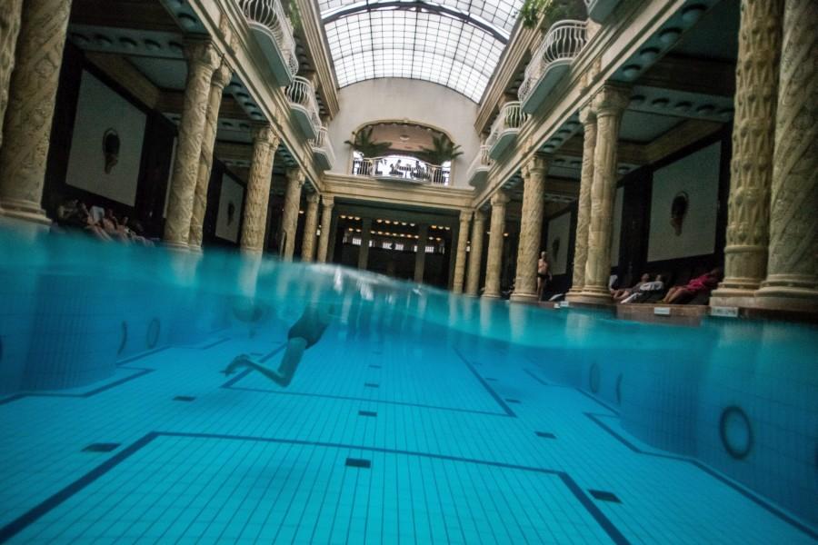 A víz világnapja - Fürdõk Budapesten