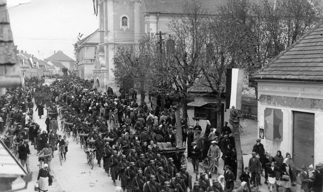 delvidek_bevonulas_alsolendva_1941_fortepan
