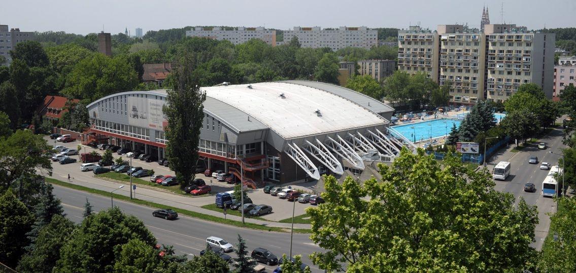 varosi-sportcsarnok-15478