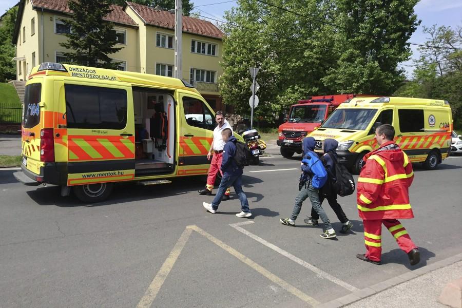 Harminckilenc gyereket vittek kórházba egy csepeli iskolából