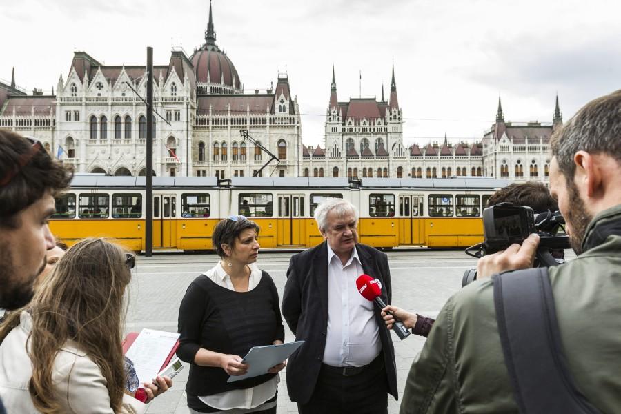 A Tanítanék mozgalom sajtótájékoztatója Budapesten