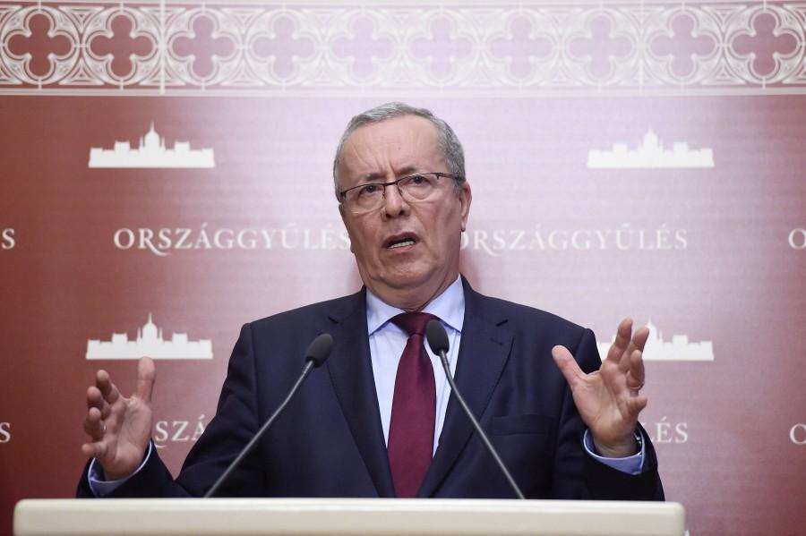 Kontrát Károly; Bakondi György