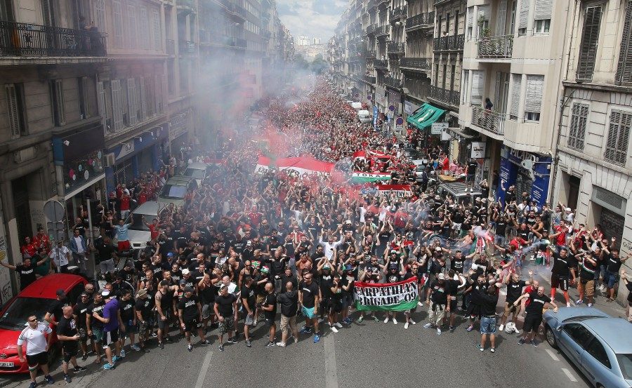 EURO-2016 - Magyar szurkolók Marseille-ben
