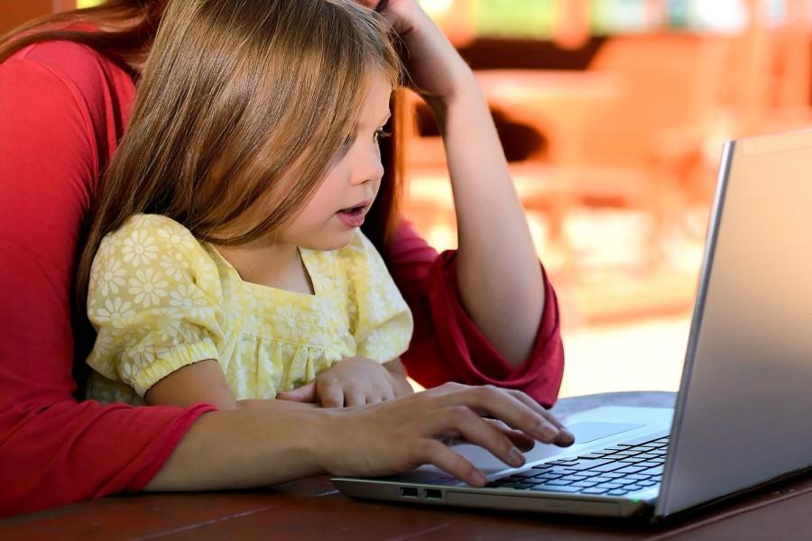 internet_szamitogep_gyerek_csalad