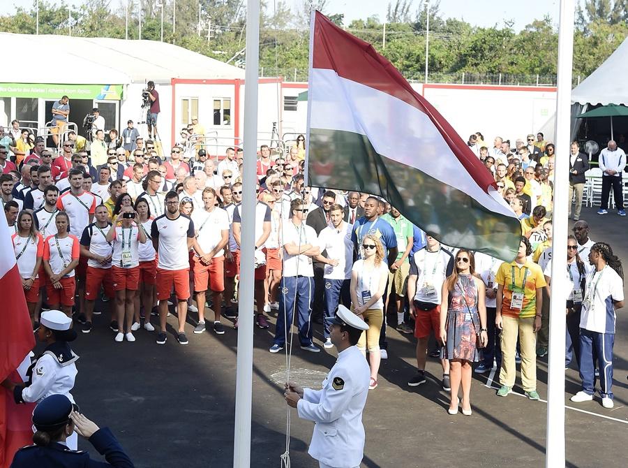 Rio 2016 - Felvonták a magyar zászlót