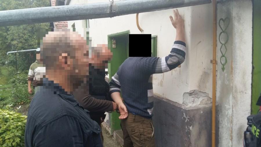 vasarhelyi_zsarolok_police