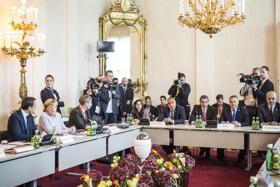 BORISZOV, Bojko; RAMA, Edi; Orbán Viktor; MERKEL, Angela; Lázár János; KERN, Christian