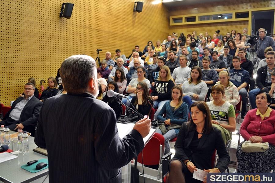emlekpont_56_konferencia_16-09-21004