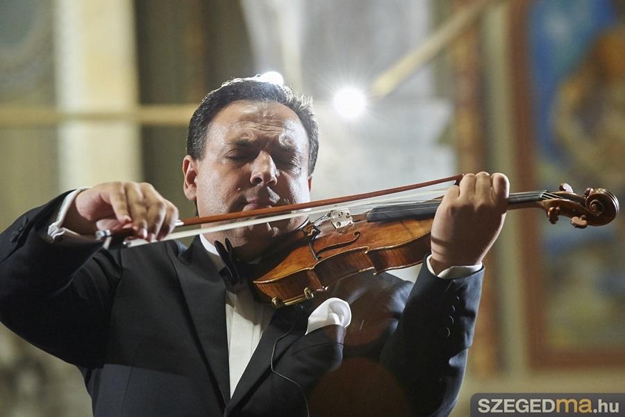 maga_zoltan_koncert040mj