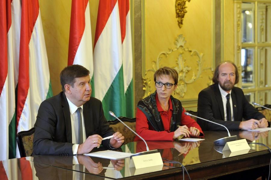 Horváth Péter; Czunyiné dr. Bertalan Judit; Sipos Imre