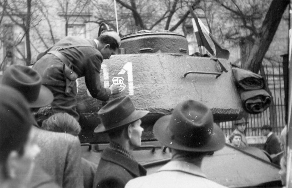 1956_kosuthcimer_tank_fortepan