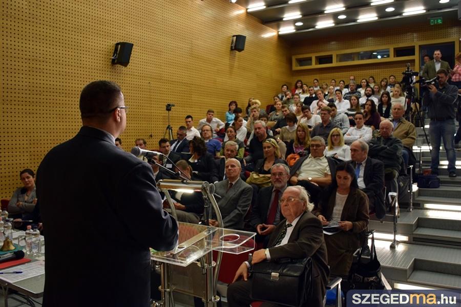 emlekpont_56_konferencia_16-10-23_009