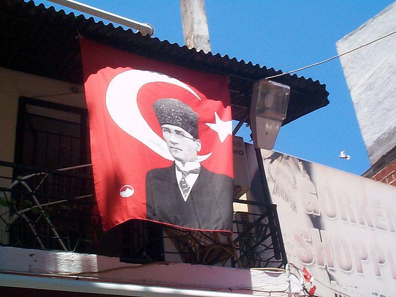 Atatürk_plakat