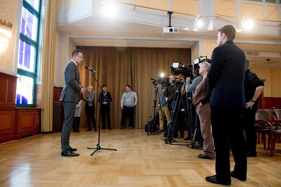 TRUMP, Donald; Szijjártó Péter; Orbán Viktor