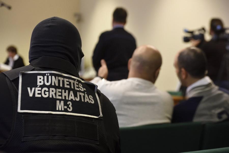 Illegális bevándorlás - A terrorcselekménnyel vádolt szír