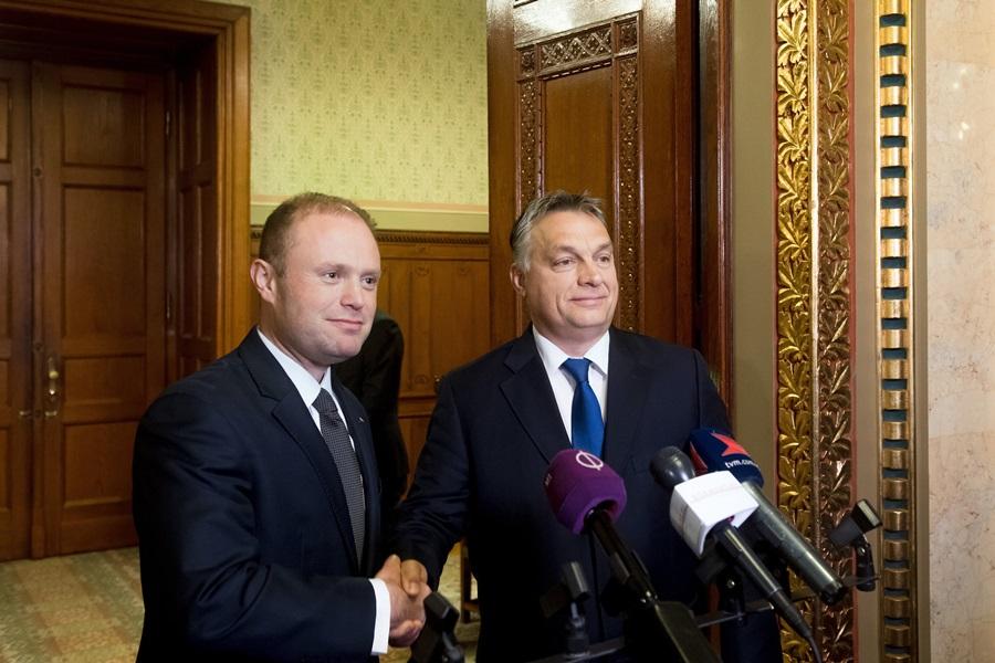 MUSCAT, Joseph; Orbán Viktor